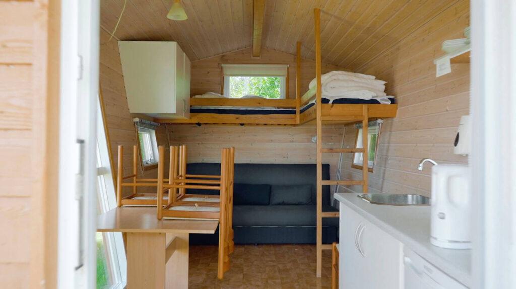billede af hytte,